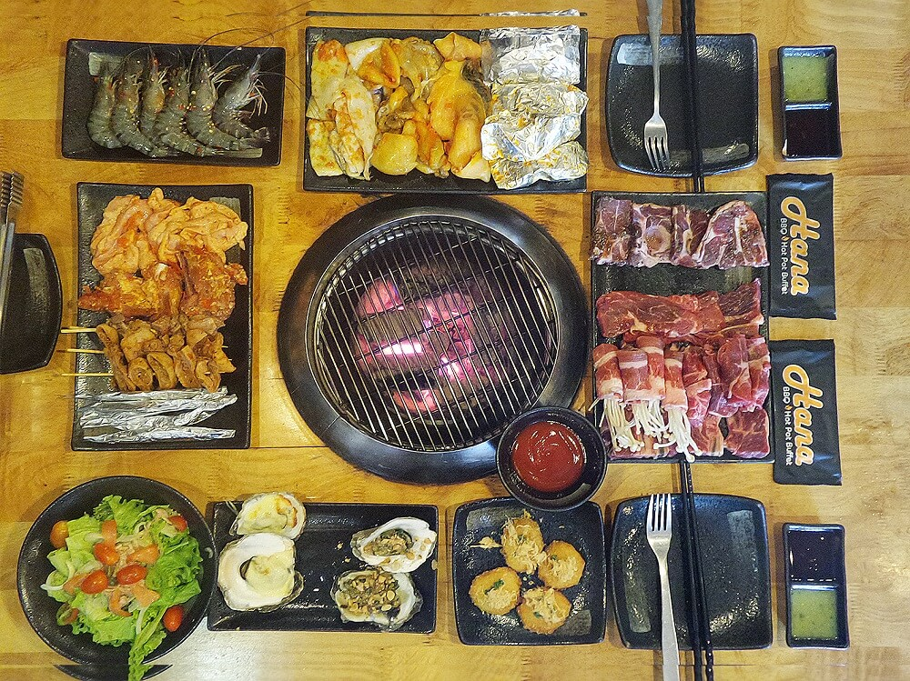 Hana BBQ & Hot Pot Buffet nằm trong danh sách các nhà hàng buffet mà bạn không thể bỏ qua