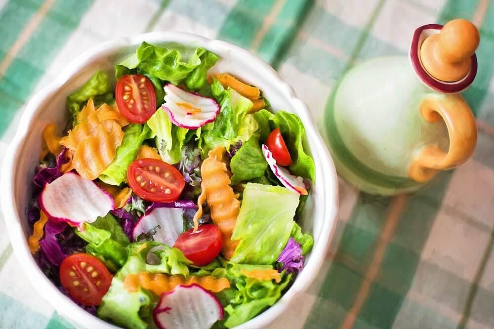 Salad là thứ không thể thiếu khi thưởng thức đồ nướng Nhật Bản