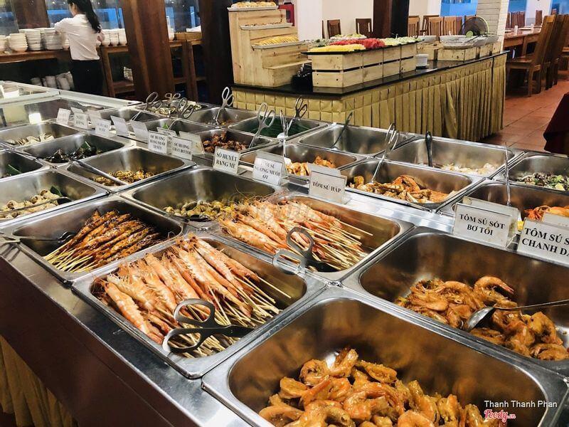 Trong buổi tiệc buffet dành cho bạn tại Hương Rừng 1 thì chất lượng món ăn luôn được đặt lên hàng đầu, thỏa mãn nhu cầu của thực khách